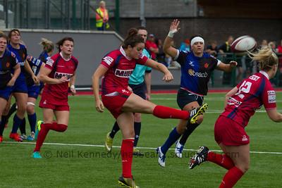 Jodie Evans kicks on