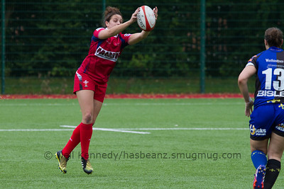 Jodie Evans catches the  ball