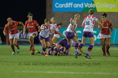 Gemma Stonebridge-Smith passes from the breakdown