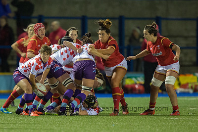 Gemma Stonebridge-Smith about to pass