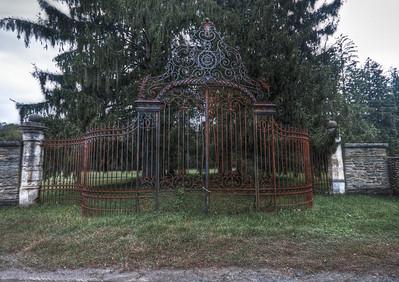 Dundas grand entry gate