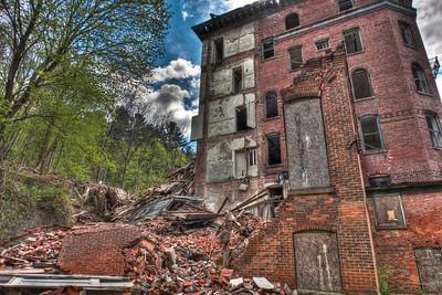 Jackson Sanitorium north side crumbling