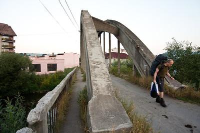 Velmi zachovalý betonový most, naštěstí