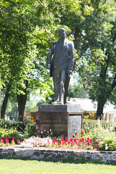 The statue of Patrick Cudahy, with beer can in hand, welcoming everyone to Sheridan Park.