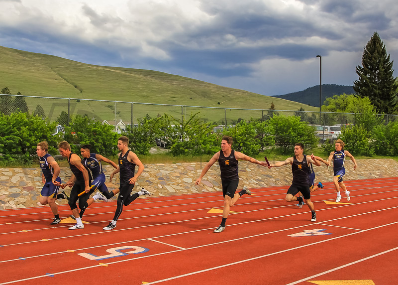 2017 T&F Greg Rice Missoula City Meet - 4x400m (f)-7