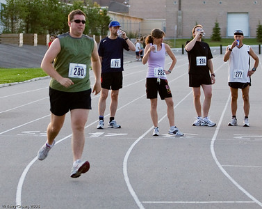 Start of the race chugging/drinking first beer before first lap. 4th runner off. 20080731-IMG_3134-2