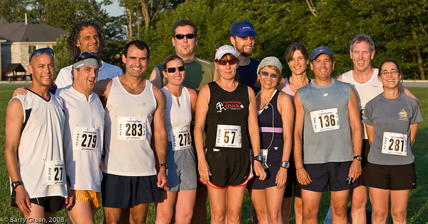 Beer Mile Participants (Runners) before the race! Where's Peter? 20080731-IMG_3062