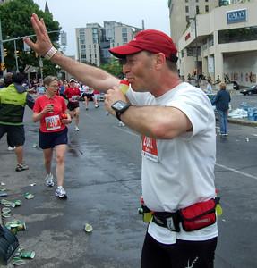 Exchange of water bottles – ½ way point of the Ottawa Marathon - May 2007