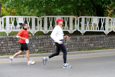 Sprinting towards the finish line of the Toronto Marathon - October 2005