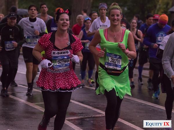 2017 NYC Marathon - Mile 25 - Victoria Grogan - Catherin McCaffrey © Equity IX - SportsOgram