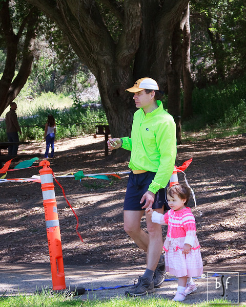 Runner and daughter at the finish.