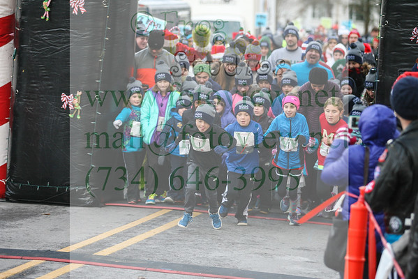 Holiday Hustle 10 Dec 2016 Mile
