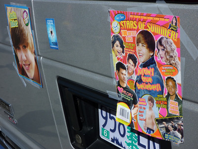 I thought it was funny that the twinkly-eyed Justin Bieber van was parked next to the leathery-faced Rolling Stones van. See next. P1030979