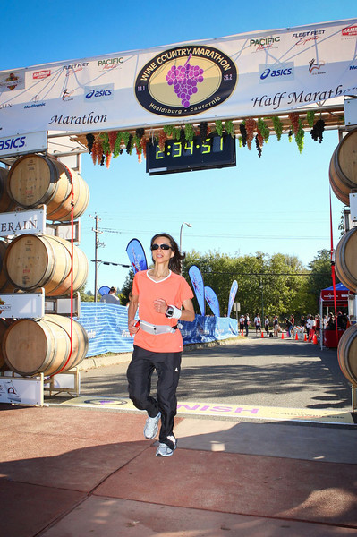 Shalimar finished with a chip time of 2:33:20.6 which was good for a personal record! Congratulations Shalimar!!! Shalimar finished in 513th/712 place overall and 61st/92 place in her age group. This was Shalimar's second running of the Healdsburg Half Marathon. Last year she finished in 2:45:02.8. Notice the course time of 2:34.51 in the photo... 12345... very interesting! :-)