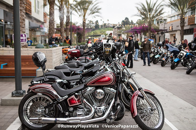 2018 Runway Beer + Bikes.  RunwayPlayaVista.com.   Photo by VenicePaparazzi.com.