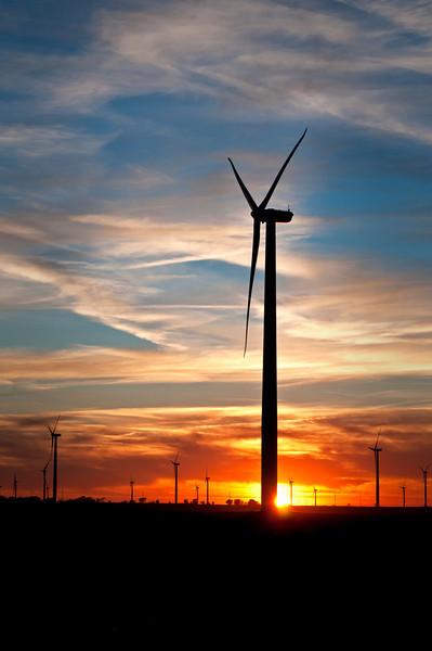 IN 010                         Sunset on a wind turbine farm near Earl Park in Benton County, Indiana.
