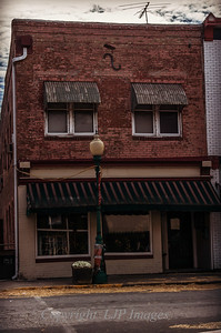 Shop front on Main Street in Weston, Missouri