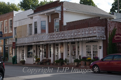Street view of shop fronts on Main Street in Weston, Missouri