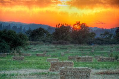 hay-bales-sunset-2
