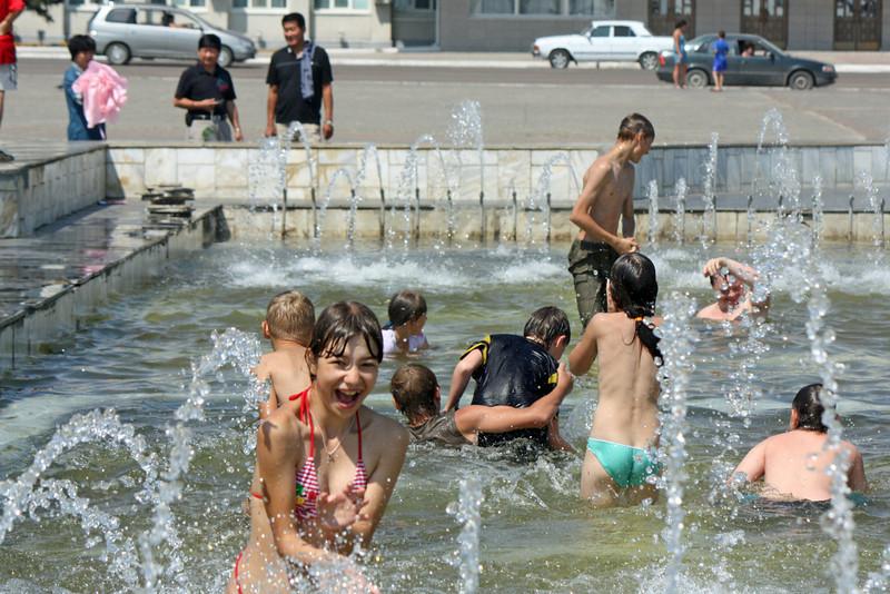 Cooling off in Blagoveshchensk.