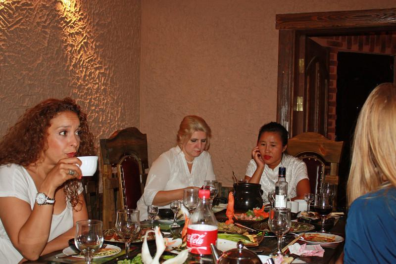 Dining with Li Lihua.