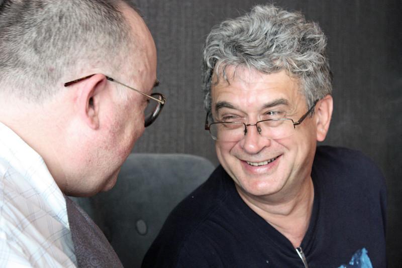 Rustem & Dima enjoying a laugh over lunch in Heihe. It was happenstance that both were in Amur at the same time. Мы дружны с Дмитрием Палычем уже более 30 лет.