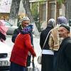 Street gathering. Толчея неподалёку от мечети.