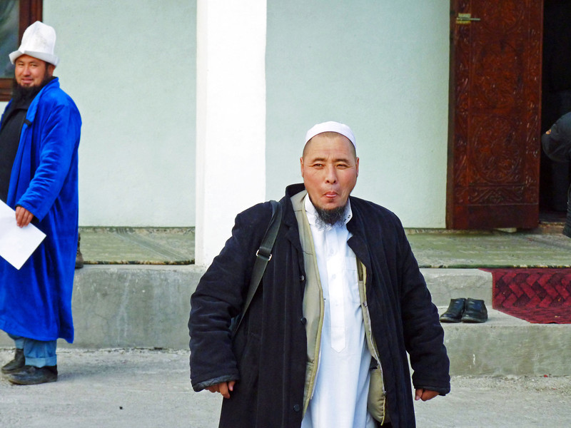 """Member of the religious movement Tablighi Jamaat, """"Call to Islam"""", a missionary group promoting Islam & Shariah law. The group is banned in Russia and many European countries. Член религизного течения """"Дават Таблиг"""", легальное действующего в Кыргызстане."""
