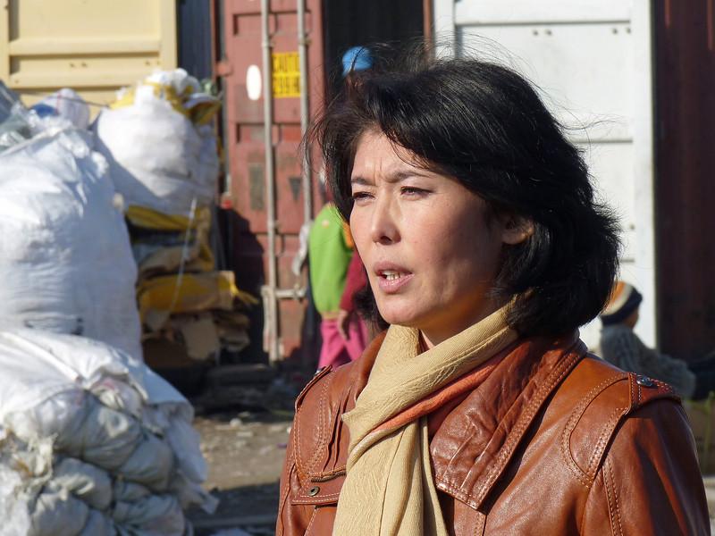 Communist children's advocate, Guljamal Sultanalieva, fights tirelessly against homelessness and illiteracy. Гульджамал Султаналиева, коммунистка, занятая спасением детей с рынка Дордой от беспризорности и безграмотности.