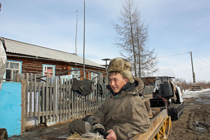 An indigenous Mongol people, about 1,000 Evenki live in the Kalar Region today.