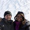 Геолог Абдиладжан и корреспондент Стэйси.