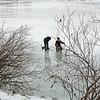 Зимние развлечения эвенских ребятишек.