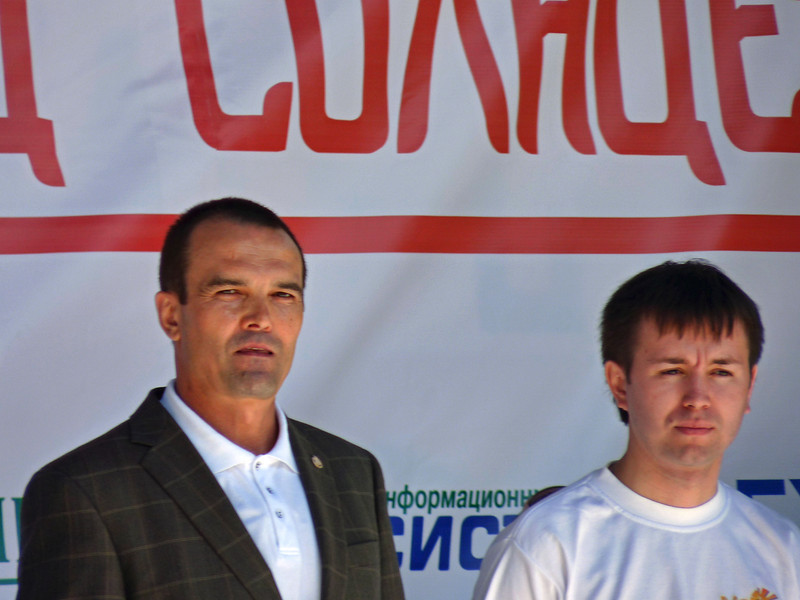 Глава республики Чувашия Михаил Игнатьев (слева). Governor of the Republic of Chuvashia, Mikhail Ignatiev.