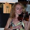 """В ресторане гостиницы """"Волга-Премиум"""" играет выпускница консерватории. Evening entertainment in the restaurant of the Volga Premium Hotel."""
