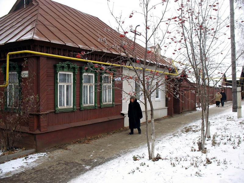 Alatyr village street scene. (Chuvashia)
