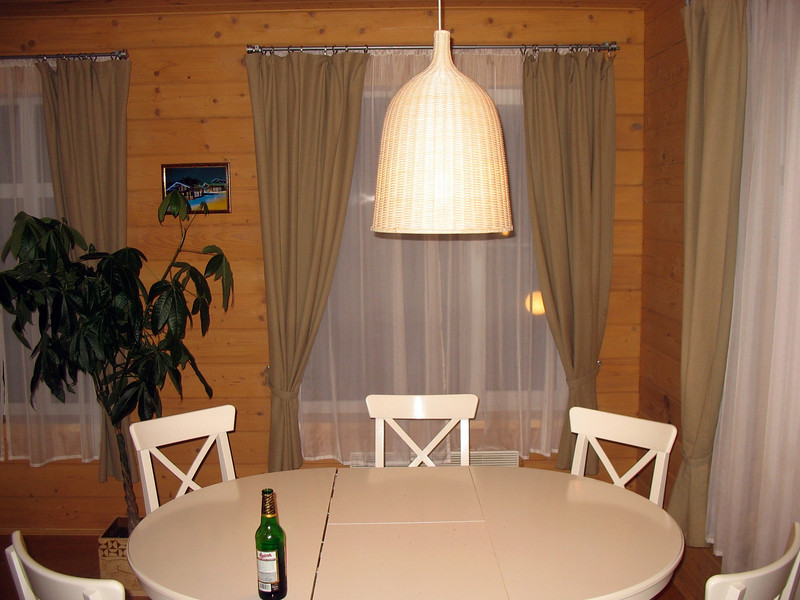 Cottage dining area.