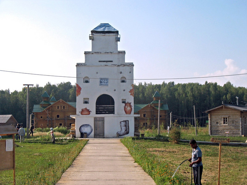 An over-sized Russian oven. (Ethno-Mir, Kaluga)