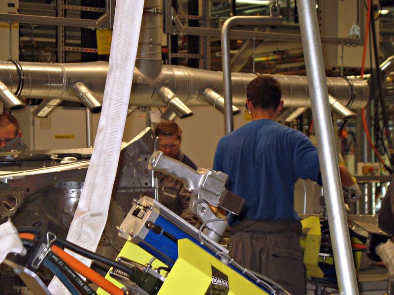 Men at work. (VW, Kaluga)