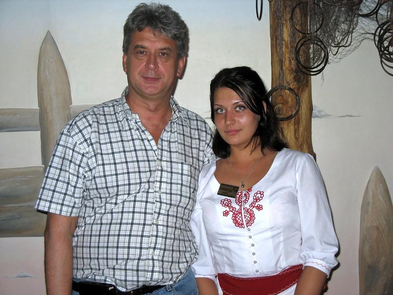 With waitress. Restaurant Karelskaya Gornitsa. (Petrozavodsk)