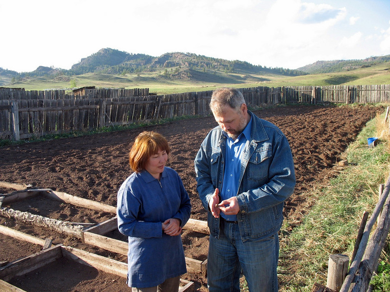 Leonid & his wife have found hundreds of ancient relics. Here they examine a Bronze Age pottery shard.