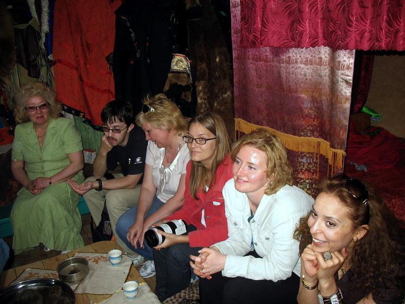 Oxana & Wafaa enjoying the performance.