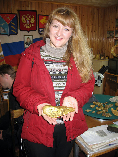 Lena with a huge gold nugget.