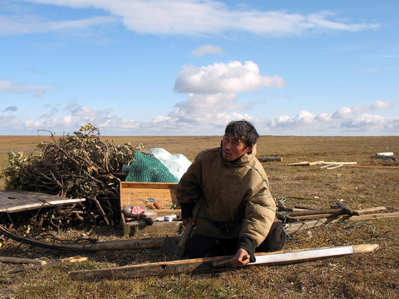 Fyodor, Yamp-to Nenets, making a new sled.