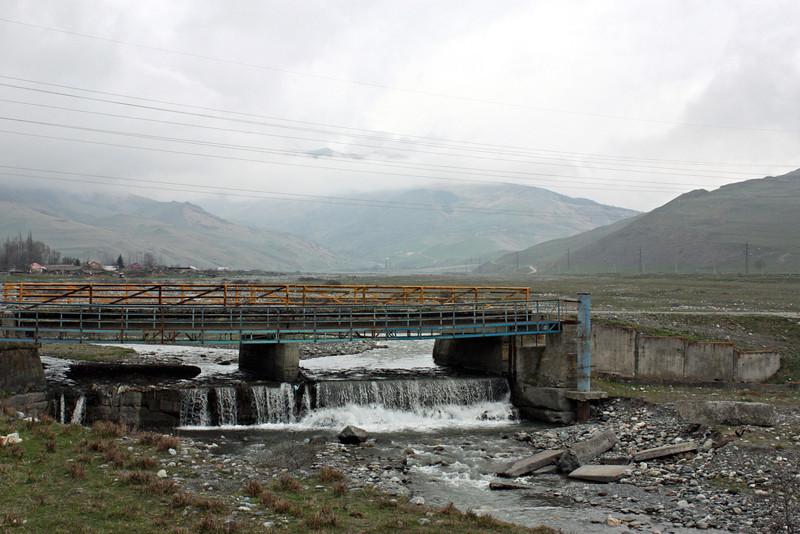 Горная речка в Даргавсе.