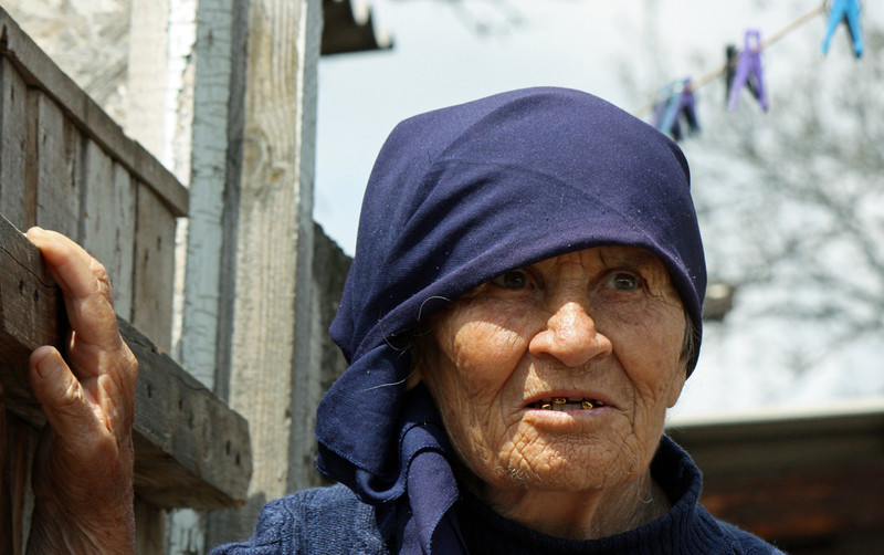 Ossetian woman in the Kambileevskoe refugee camp.