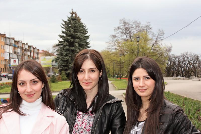 Zarina, Zalina & Khadizha. <br /> Зарина, Залина и Хадижа. (слева направа).