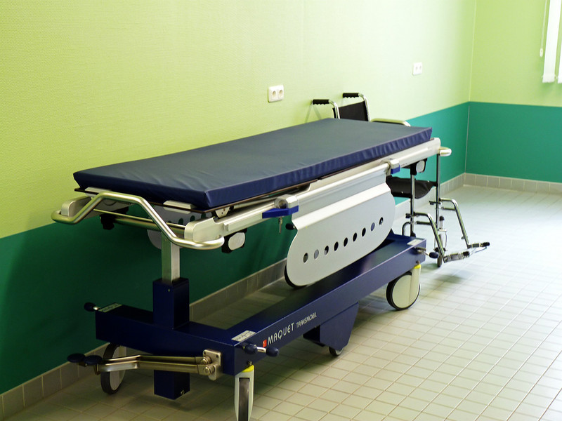 A 'normal' operating bed.