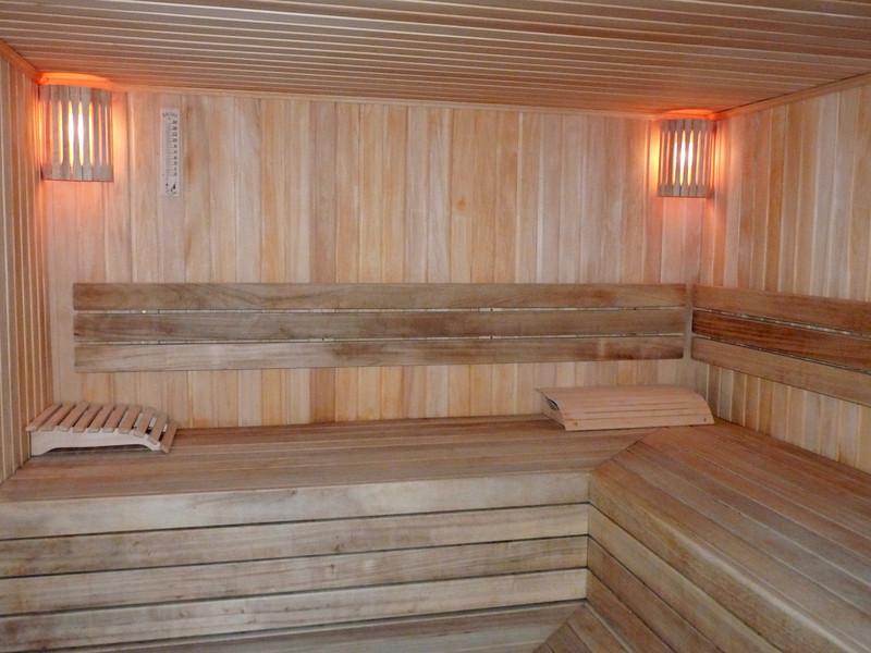 Сауна в кардиоцентре. The Cardiology Center's sauna.