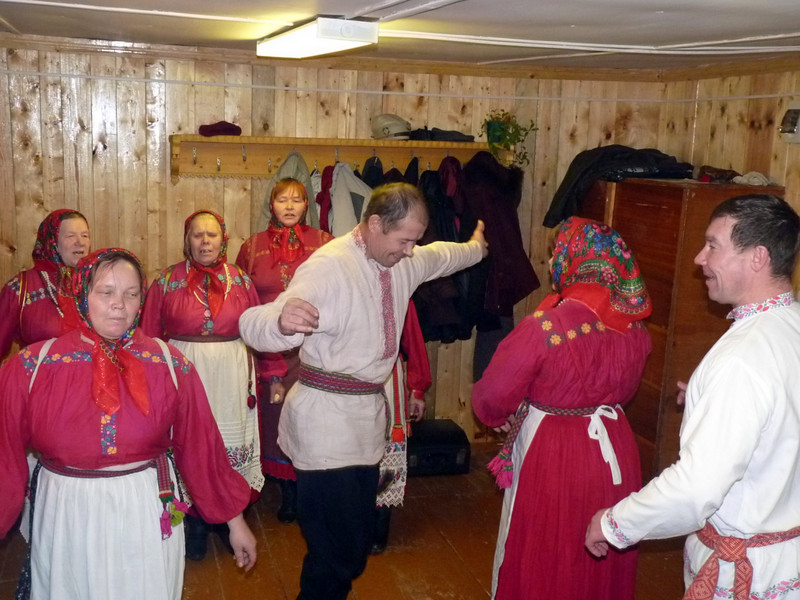 A village dance in Parmailovo.