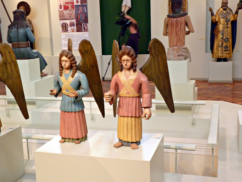 Fascinating angels. (Perm State Museum)